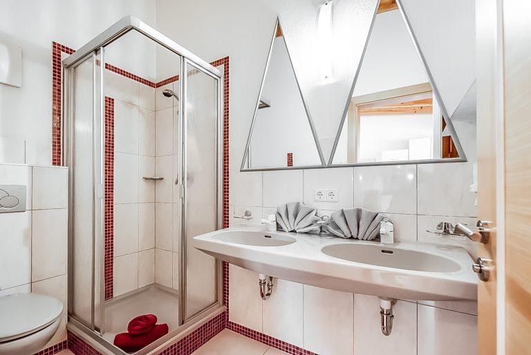 Apart Resort Relax Appartement Lisa Balkon Wohnküche Doppelwaschbecken
