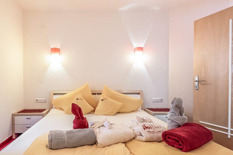 Apart Resort Relax Appartement Rebecca Wintergarten Suite Familie Ötztal Längenfeld Schlafzimmer3
