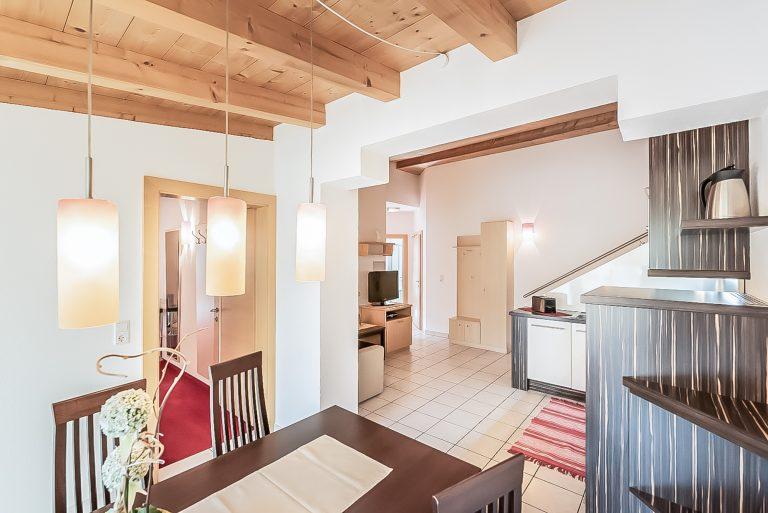 Patrizia_Küche_Wohnküche_Balkon_Längenfeld_Ötztal_Apart_Resort_Relax_Appartemet