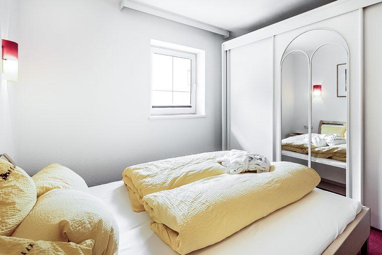 Apart Resort Relax Appartement Vanessa Wintergarten Familie Ötztal Sommer Längenfeld Winter Schlafzimmer großer Schrank
