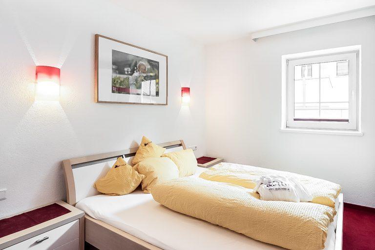 Apart Resort Relax Appartement Vanessa Wintergarten Familie Ötztal Sommer Längenfeld Winter Schlafzimmer2